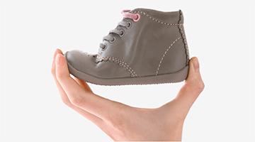 Flexible slip-resistant sole.